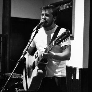 Tim Loud begleitet Troy Faid und spielt ein paar neue Songs im Vorprogramm