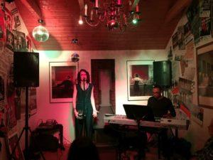 Soulsängerin Leo Will und Pianist James Simpson live im Filou Steinhude
