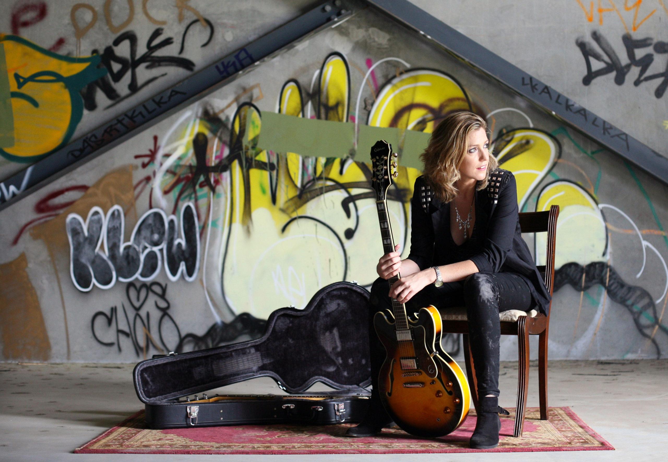 Die australische Singer/Songriterin Lecia Louise tritt am 10. April 2017 im Filou in Steinhude auf