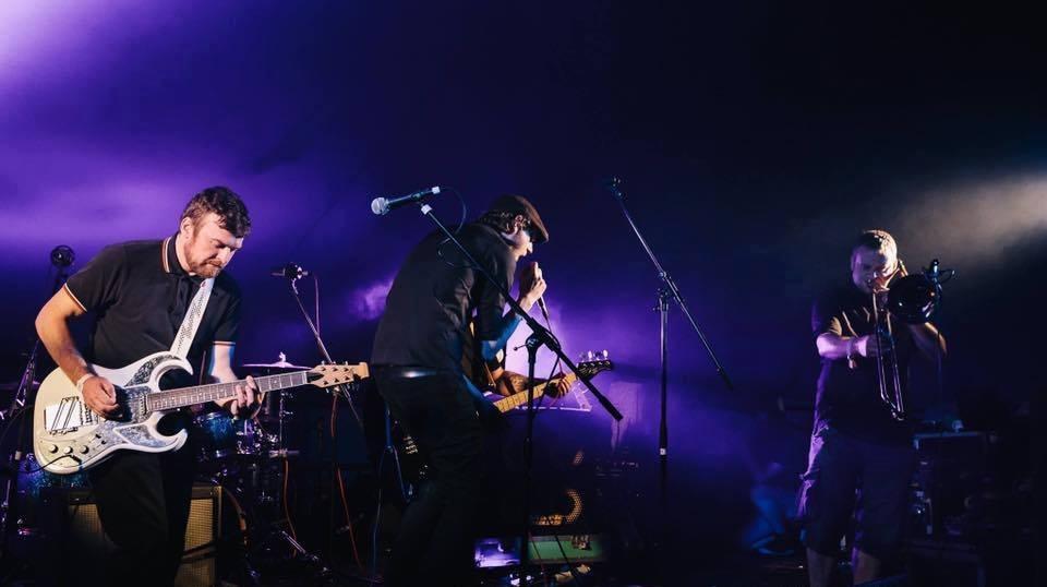 Analog Bombs aus England spielen funky Indie-Ska im Filou Steinhude